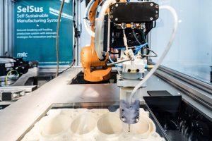 Produktionsstopps vermeiden: Maschinenpark wartet sich selbst