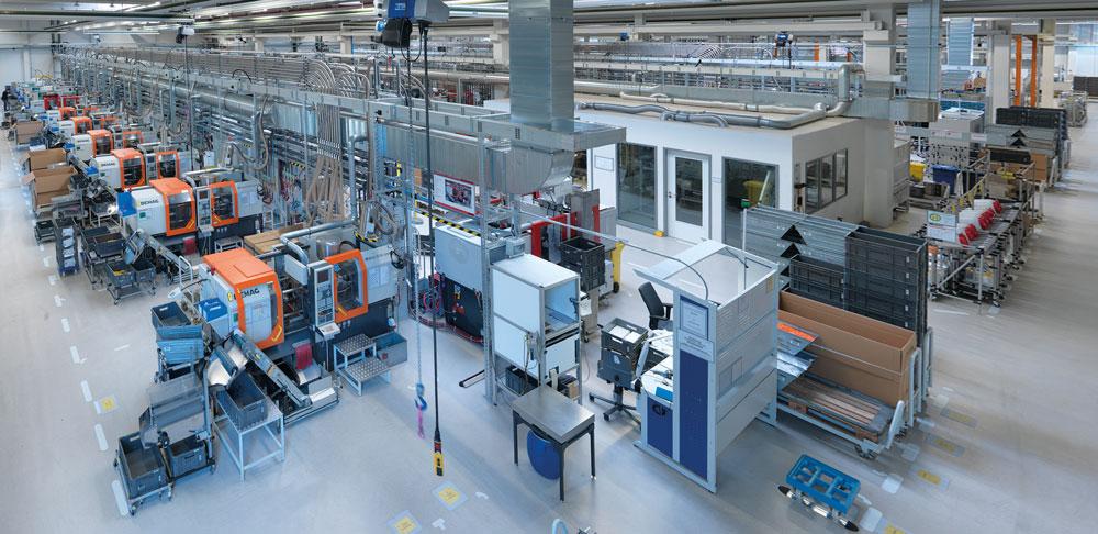 Fernwartung erspart Betreibern oft den kostspieligen Besuch vom Techniker. Den Herstellern der Anlagen dient die Technik als Grundlage für Pay-per-use-Geschäftsmodelle. (Bild: Weidmüller GmbH & Co. KG)