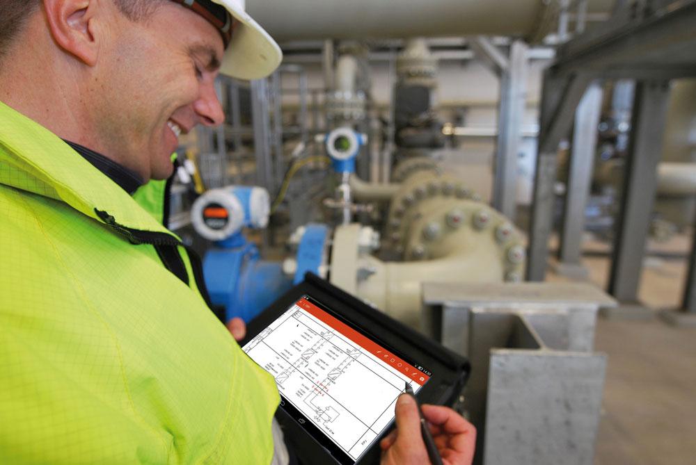 Mit der App Livedok Mobile arbeiten die Werker ortsunabhängig mit dem Programm. (Bild: Rösberg Engineering GmbH)