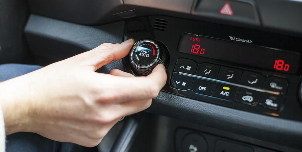 Die Klimasteuerung im Fahrzeug-Führerhaus ist ein Qualitätskriterium. (Bild: © Piotr Rymarczyk/Shutterstock.com)