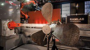 Sechsarm-Roboter druckt Schiffsschraube