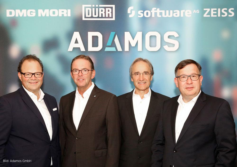 Das Bild zeigt Christian Thönes, Vorstandsvorsitzender von DMG Mori, Ralf W. Dieter, Vorstandsvorsitzender bei Dürr, Karl-Heinz Streibich, Vorstandsvorsitzender der Software AG und Thomas Spitzenpfeil, Vorstand (CFO/CIO) bei Carl Zeiss (v.l.n.r.).