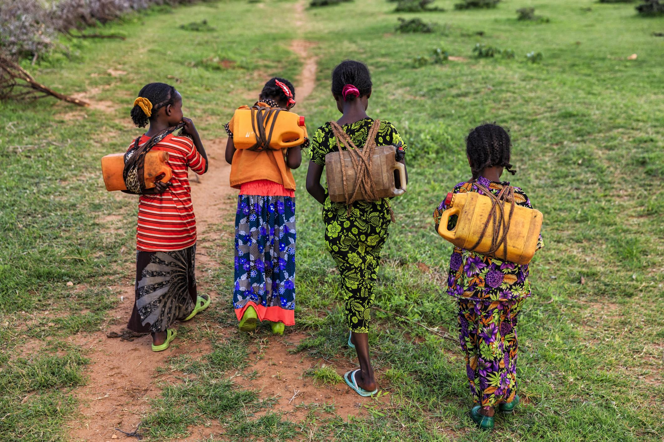Sklaverei noch aktuell? - Eine Software von Made in a free World hat das Ziel, das Risiko von Zwangsarbeit in einer Lieferkette erkennen zu können. Konsequent eingesetzt, können Unternehmen damit weltweit zur Chancengleichheit in den Regionen beitragen, in denen es häufig zu Zwangsarbeit kommt.