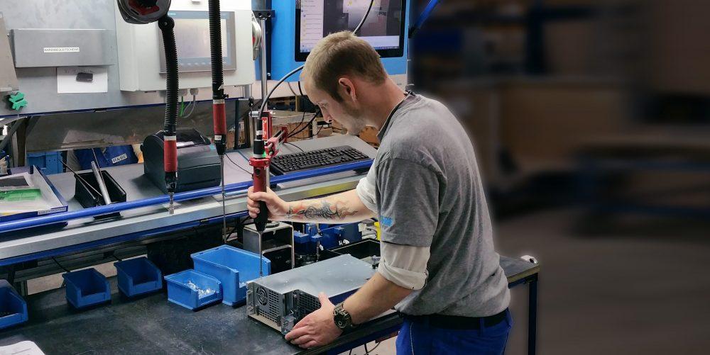 Montageassistenzsystem | Werkerführung | Industrieblechverarbeitung