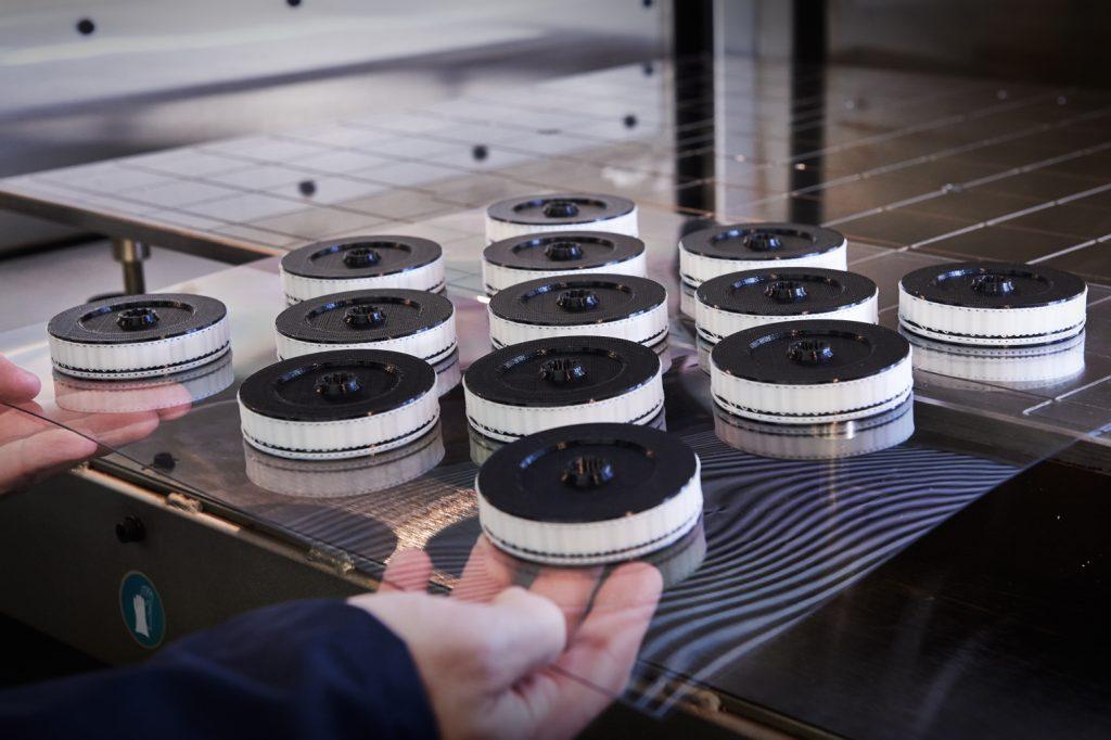 Das Unternehmen Stratasys bietet eine On-Demand-Produktion von Teilen an, die über ein Online-3D-Druck-Portal bestellt werden können. (Bild: Stratasys GmbH)