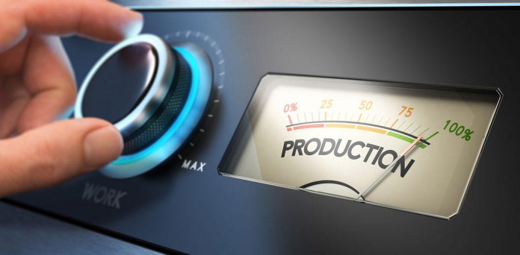 Die Overall Equipment Effectiveness (OEE) setzt sich im Wesentlichen aus den Komponenten Nutzungs-, Leistung- und Qualitätsfaktor zusammen.