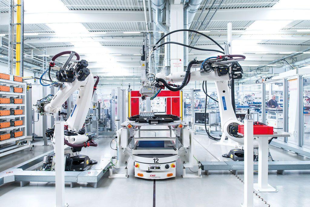 Transportsysteme im Automobilbau: Fahrerlos zum Elektroauto