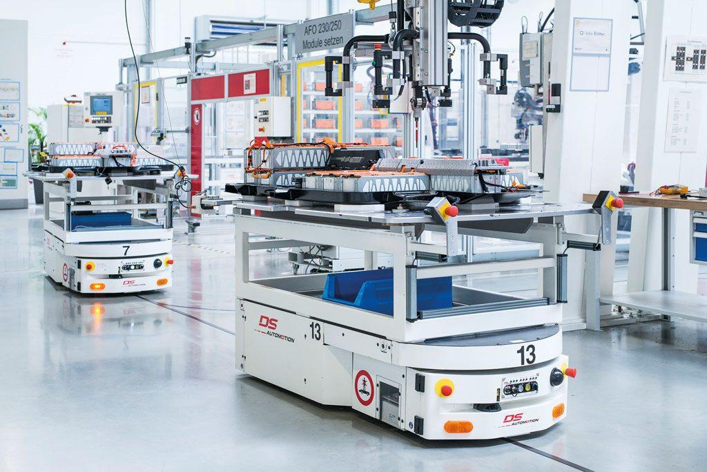 Die meisten deutschen Premium-Hersteller nutzen in der Batteriemontage Fahrerlose Transportsysteme von DS Automotion. Deren hohe Flexibilität und Zuverlässigkeit ermöglicht eine agile Montage nach den Grundsätzen von Industrie 4.0 und ist für ein schnelles Wachstum ausgelegt.
