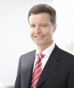 Dr.-Ing., Dipl.-Kfm. Division CEO Power Transmission, Energy Sector, Siemens AG (Bild: VDE Verband der Elektrotechnik)