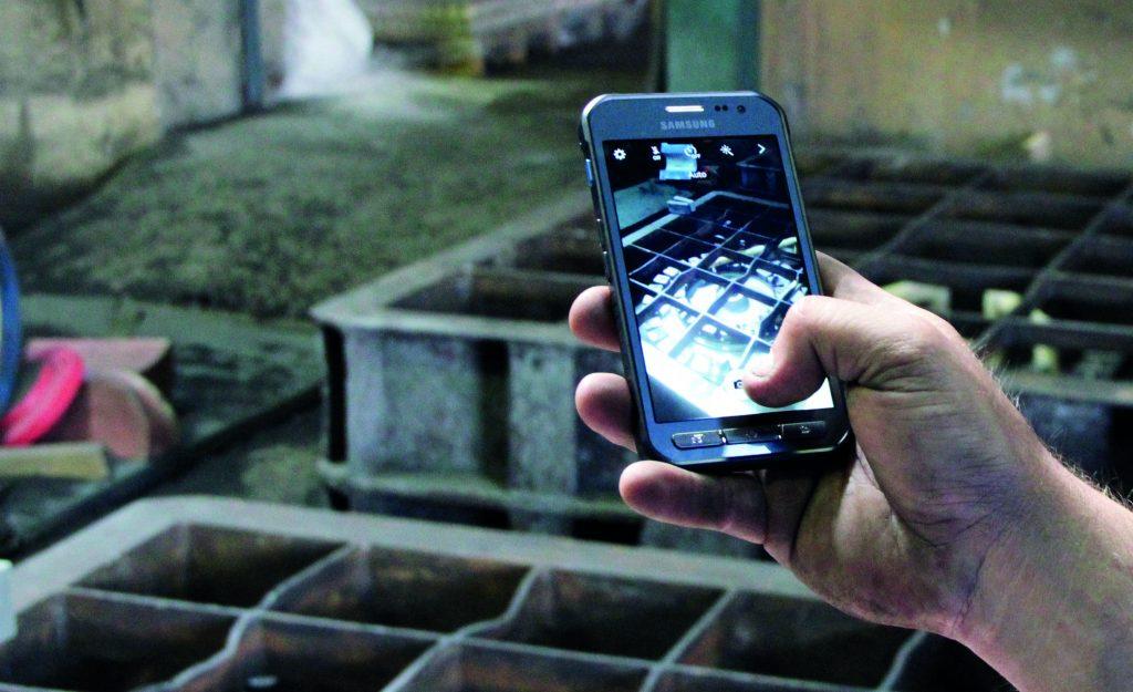 Mobile Endgeräte lassen sich hervorragend in industrielle Prozesse einbetten. (Bild: VDI Zentrum Ressourceneffizienz GmbH)