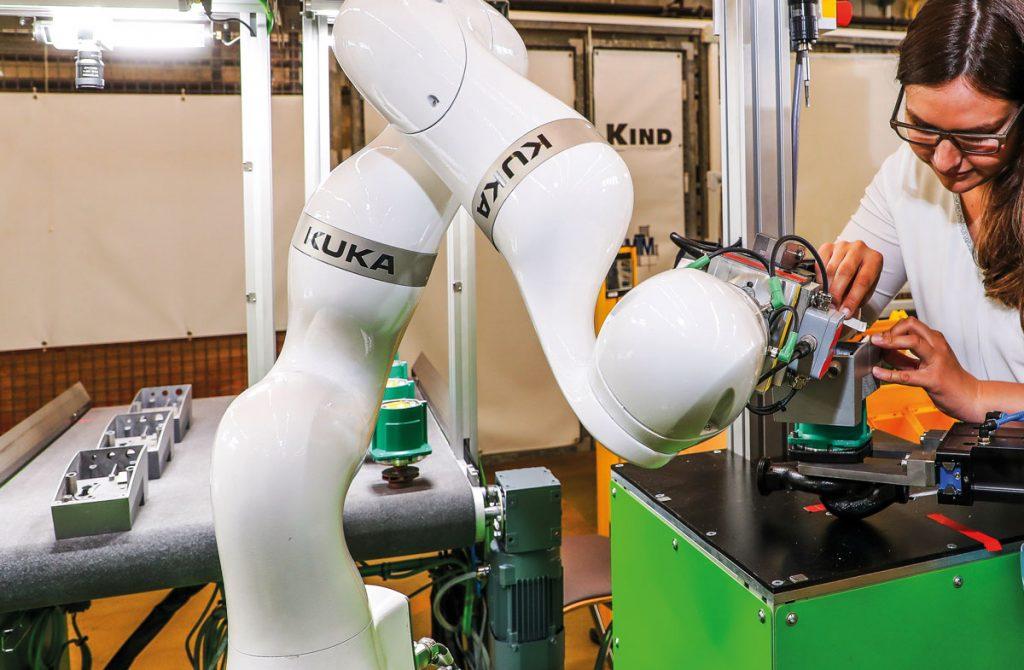 MRK-Roboter im Montagesystem integriert