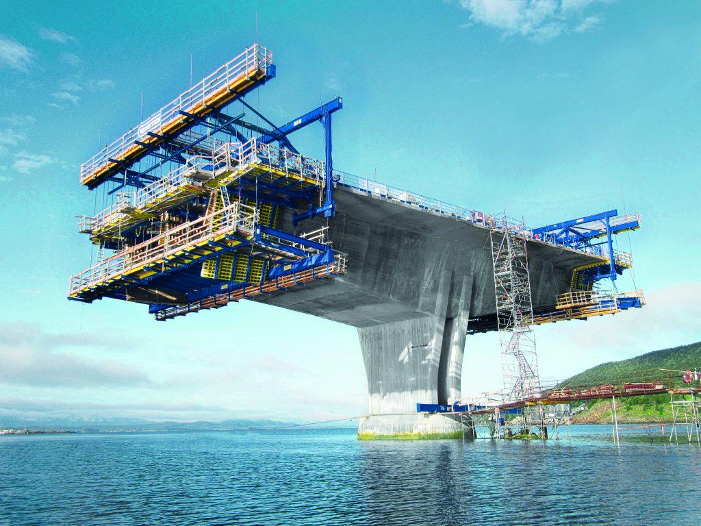 Die Schalungslösungen der Doka GmbH werden auf Großbaustellen weltweit benutzt.