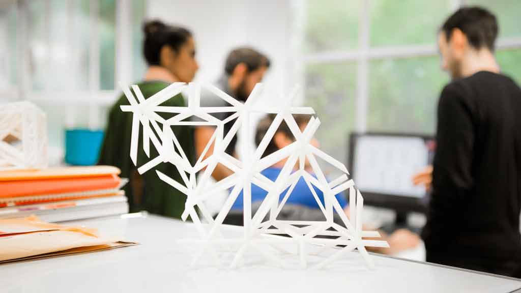 Systems Engineering - Eine IDC-Studie zum Thema Internet of Things stellt die Prognose auf, dass die Anzahl der vernetzten Dinge von weltweit aktuell rund 12 bis zum Jahr 2020 auf 30 Milliarden ansteigen wird.
