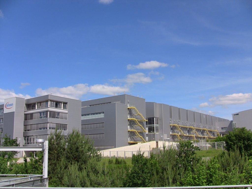 Im Rahmen seiner Nachhaltigkeitsstrategie nahm Infineon am Standort Dresden ein Kennzahlenmonitoring in Betrieb. (Bild: Infineon Technologies Dresden GmbH)