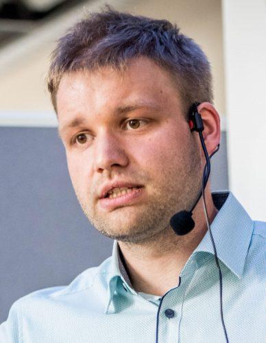 Dr. Daniel Gburek ist Produktionsmanager für den Bereich Data & Analytics in der Cosmo Consult AG.