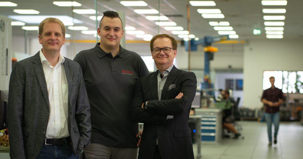 Geschäftsleitung Martin Rebhan (links) sowie Karl-Herbert Ebert (rechts) und Produktionsleiter Martin Müller (Mitte). (Bild: Asprova AG)