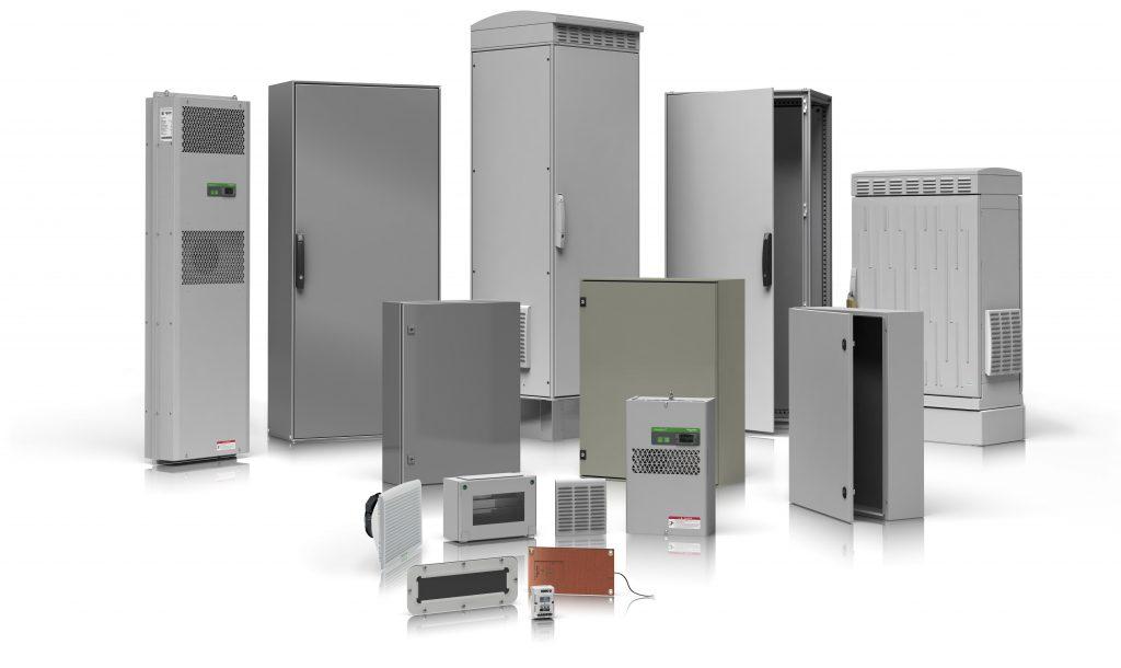 Das Schneider-Werk in Sarre-Union produziert Schaltschränke und Anlagen für die Automatisierung. Der Produktionsprozess umfasst komplexe Arbeitsfolgen und Vorgänge. (Bild: Schneider Electric SE)