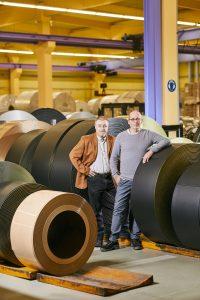 Klaus-Peter Schönfeld (li.), IT-Leiter bei HUEHOCO, und Mike Schirrmacher, ERP-Programmierer. (Bild: IAS Industrial Application Software GmbH)