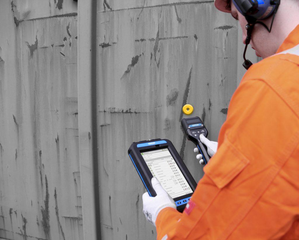 Enterprise-Mobility-Lösungen machen Industrie-4.0-Sensordaten nutzbar, prozessorientiert und schnell. (Bild: Ecom Instruments GmbH)