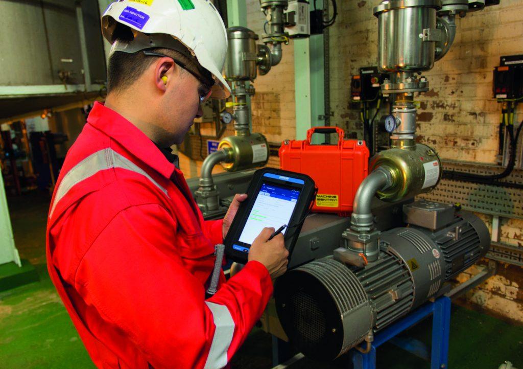 Industrie-Tablets können als dezentrale Minirechenzentren oder digitale Gateways dienen. (Bild: Ecom Instruments GmbH)