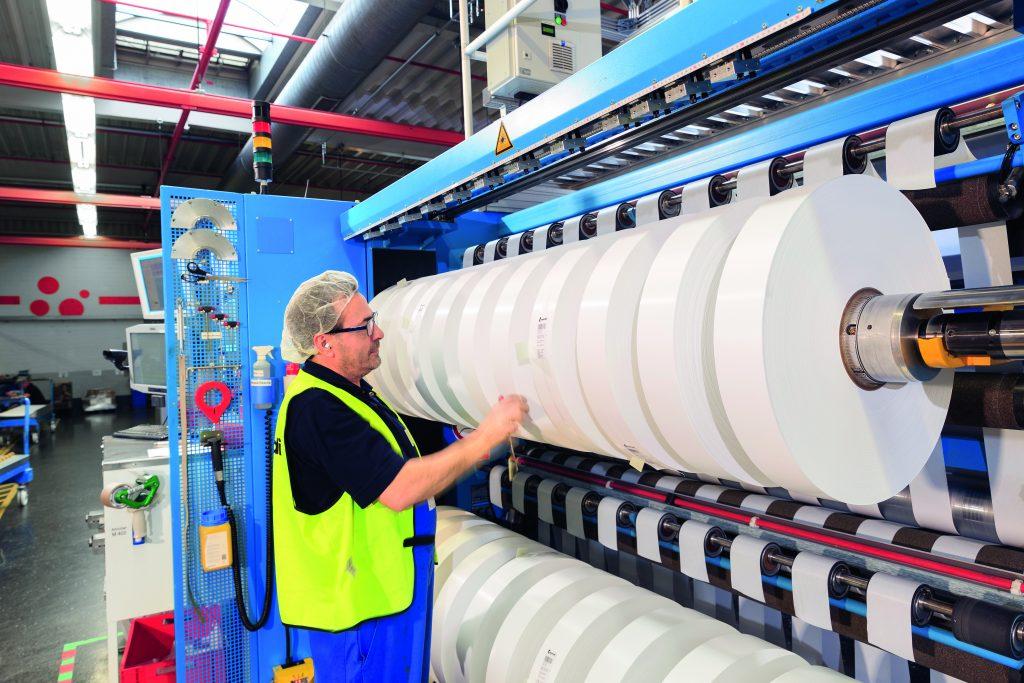 In zahlreichen Produkten des täglichen Bedarfs finden sich Komponenten von Mondi. Noax-IPCs sichern die Herstellungsprozesse sowie die Qualität und Güte der Erzeugnisse. (Bild: noax Technologies AG)