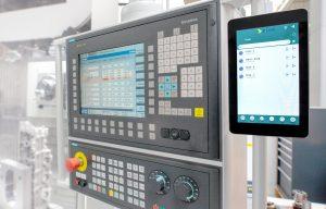 Die c-Connect Box wird an die Maschine angeschlossen. (Bild: Mapal Präzisionswerkzeuge Dr. Kress KG)