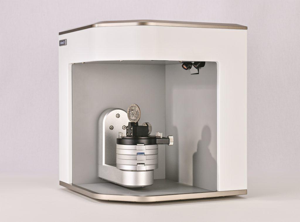 Die Bedienung des kompakten 3D-Scanners soll sich innerhalb von Minuten erlernen lassen. (Bild: Artec 3D)