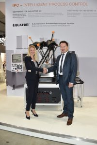 Rainer Lotz, Vice President EMEA bei Renishaw und Dr. Heike Wenzel, Geschäftsführerin der Wenzel Group. (Bild: Wenzel Group / Renishaw GmbH)