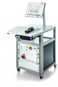 Litzenschweißen mit Ultraschall gilt als Mittel der Wahl, wenn zuverlässige elektrische Verbindungen erforderlich sind. Hier die Stehplatzversion TelsoSplice TS3 . (Bild: Telsonic AG)