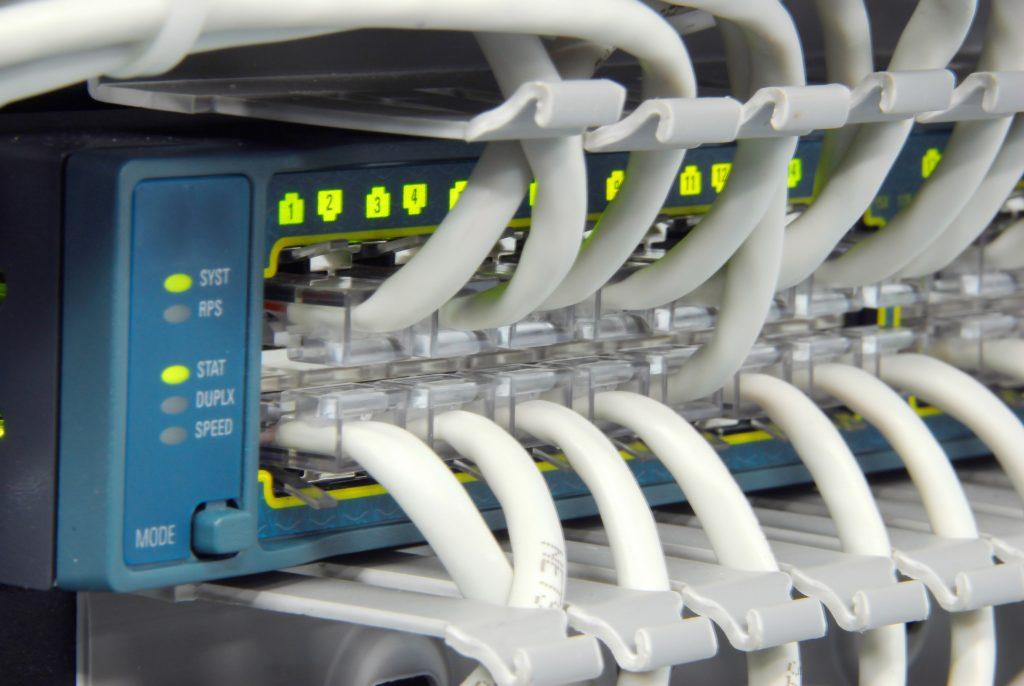 Immer mehr Maschinen- und Anlagenbauer nutzen Cloud-Infrastrukturen. (Bild: ©gluke/Fotolia.com)