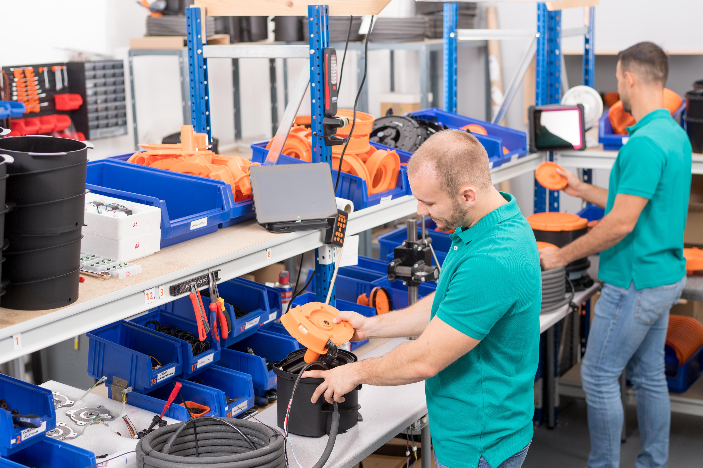 Der Utility Film von Memex dient als digitale Arbeitsanweisung, die Anwender Schritt für Schritt durch Abläufe führt. Im Herbst erscheint eine neue Version der Lösung mit überarbeiteter Benutzerführung. (Bild: Memex GmbH)