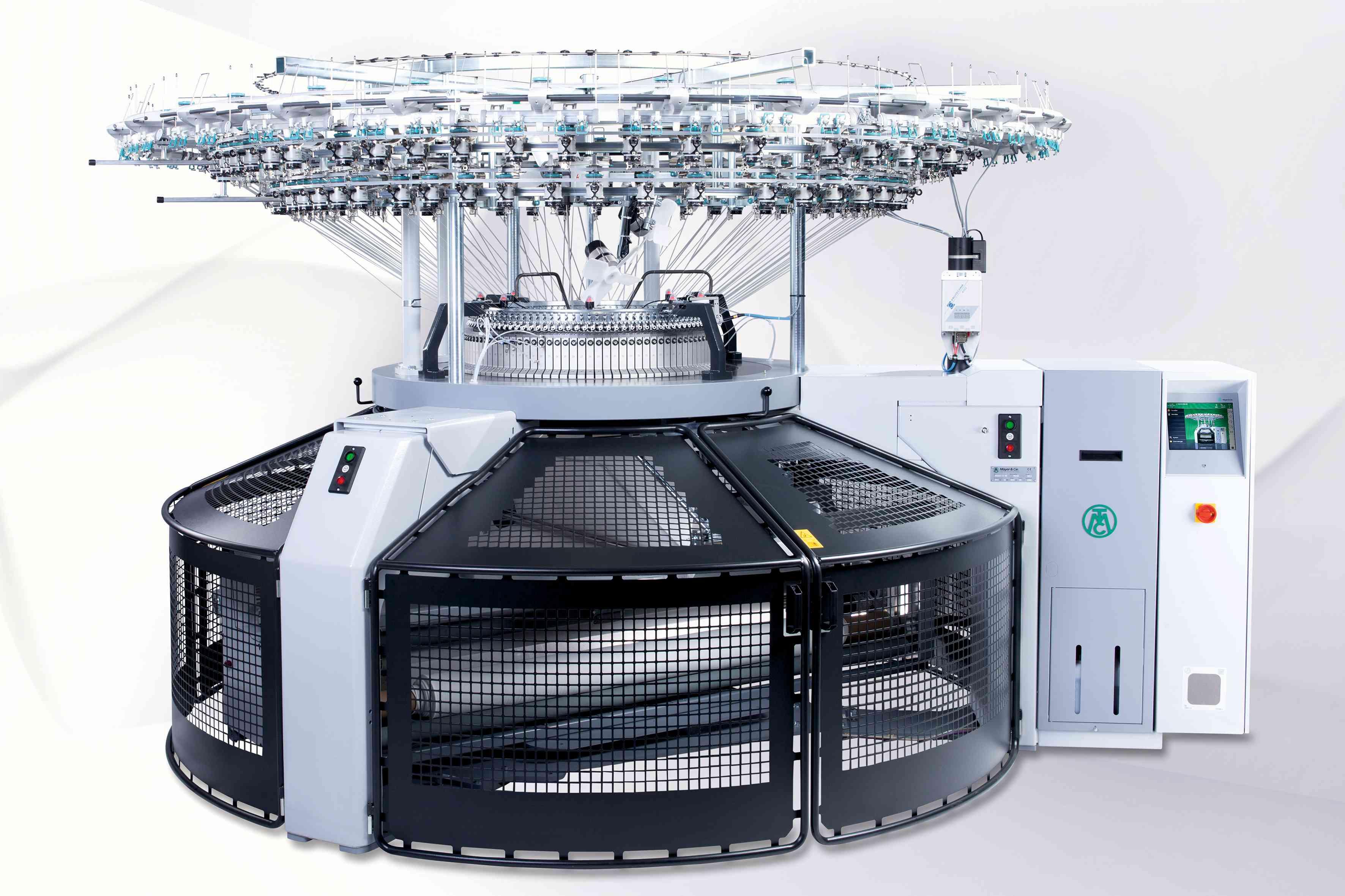 Mayer & Cie. hat mehr als 50 Maschinentypen im Portfolio, unter anderem die Rundstrickmaschine Relanit 3.2 HS. (Bild: Mayer & Cie. GmbH & Co. KG)
