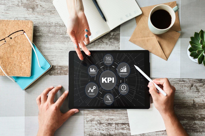 Produzierende Unternehmen können mit dem Simulator Kalkulationsszenarien von Kundenprojekten erstellen. (Bild: ©WrightStudio/stock.adobe.com)