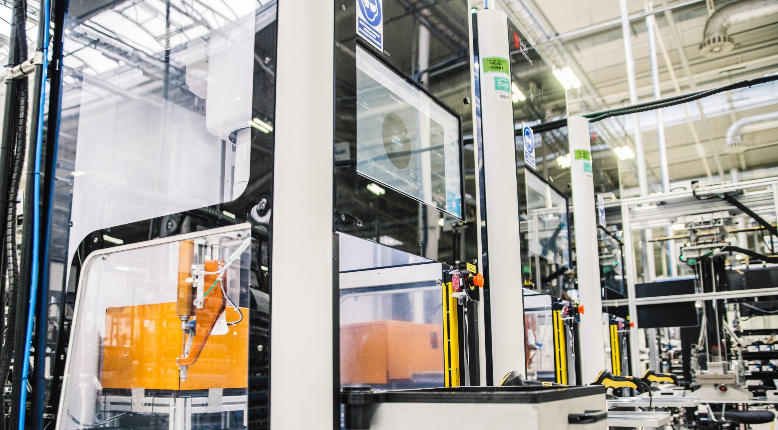 Die Software Brightware von Brightmachines generiert Anleitungen, die zur Ausführung an die Robotikmodule in der Fabrikhalle gesendet werden. (Bild: Bright Machines, Inc.)