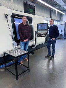 Jeroen Nije (links), in dritter Generation Mitinhaber der Nijdra-Gruppe, und Geschäftsführer Dennis van Dijk. (Bild: DMG MORI Global Marketing GmbH)