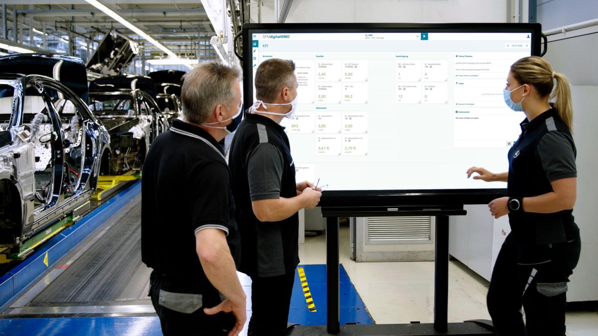 Digitales Mercedes-Benz Produktions-Ökosystem MO360: Das Tool Shopfloormanagement zeigt produktions- und steuerungsrelevante Kennzahlen an. (Bild: Daimler AG)