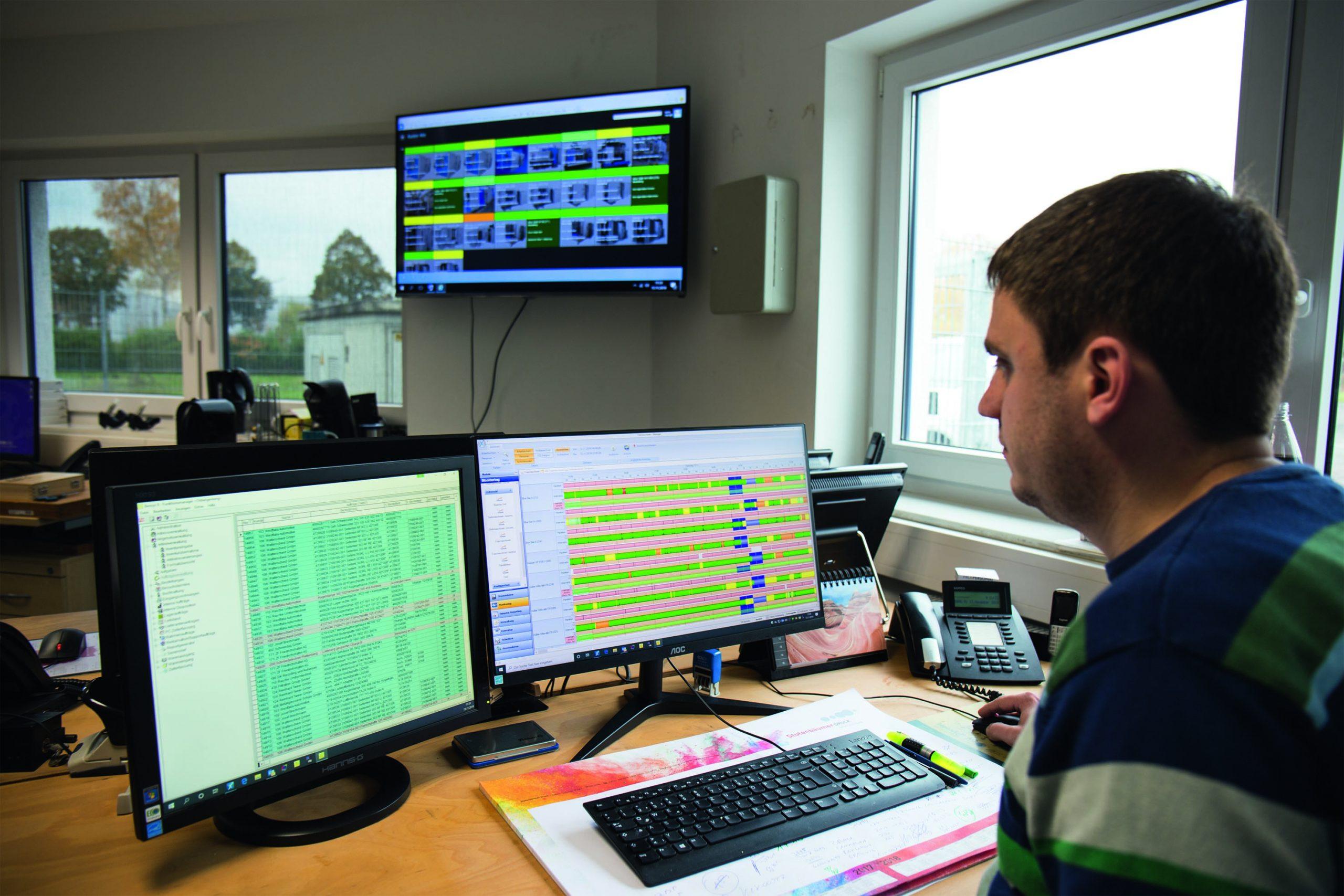 Der CNC-Maschinenpark umfasst 57 Maschinen. Mit der MES-Software behält der Planer dennoch stets den Überblick. (Bild: Proxia Software AG)