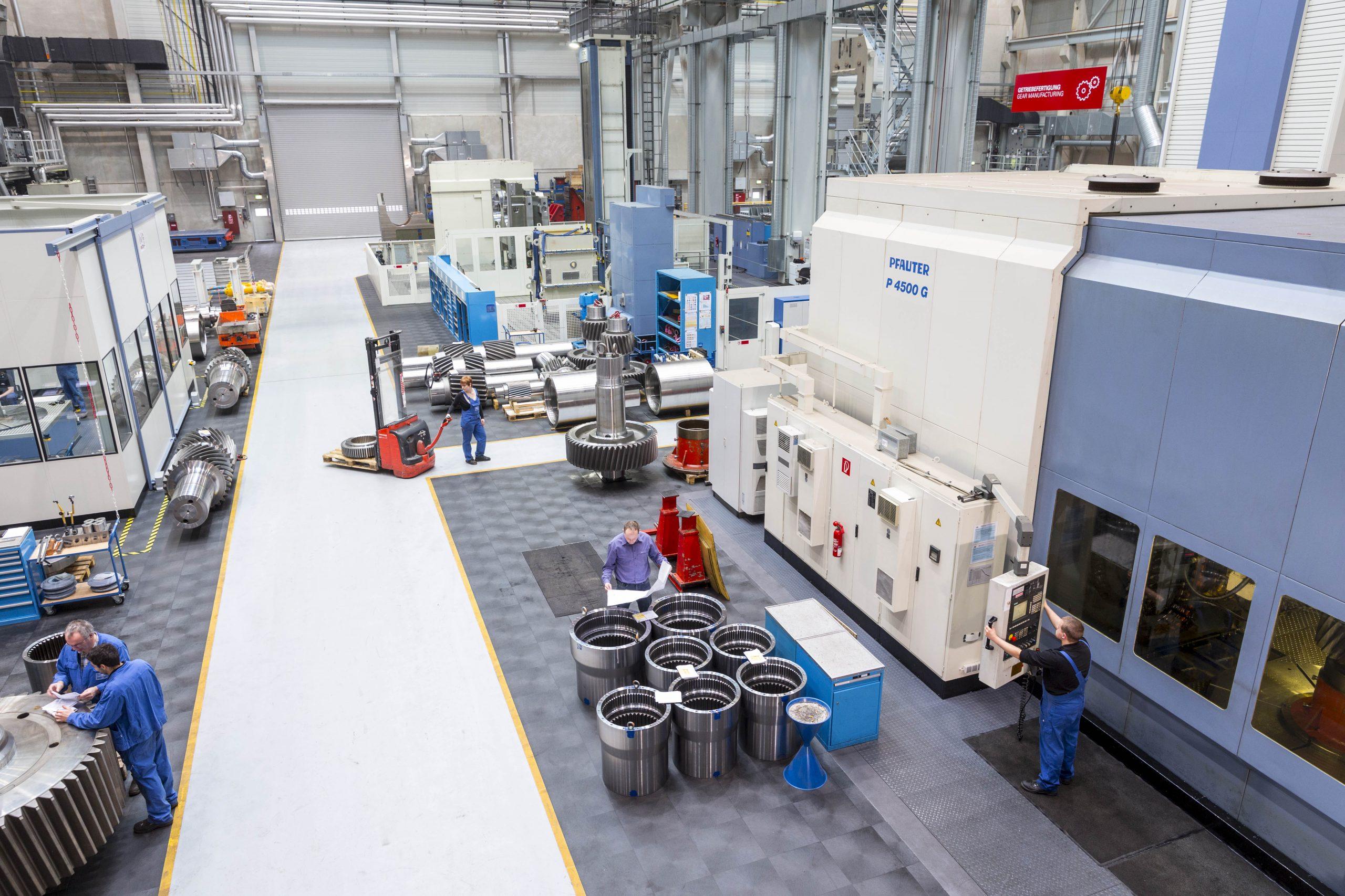 Der Standort Hilchenbach verfügt auch über eine große Fertigungswerkstatt. (Bild: SMS Group)