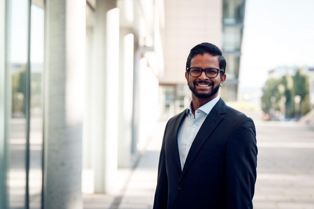 Keran Sivalingam, Projektleiter von SmartMA-X (Bild: Technologie-Initiative SmartFactoryKL e.V.)