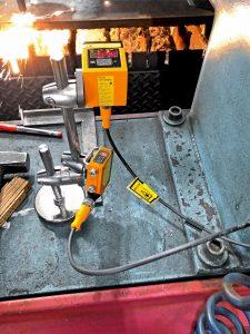 Auslastung messen: IFM-Sensoren erfassen, ob Maschinen arbeiten oder sich im Wartezustand befinden. (Bild: IFM Electronic GmbH)