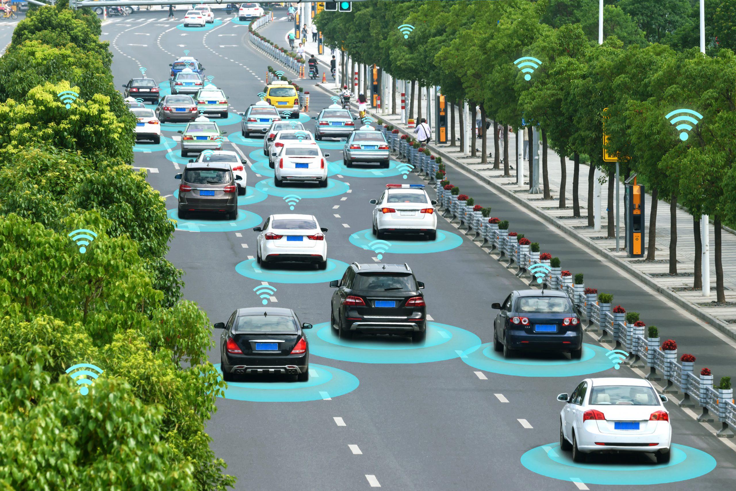 Vernetzte Fahrzeuge erfassen und verarbeiten Daten am Rand ihrer Netzwerke. Das ist die typische Aufgabe von Edge Devices. (Bild: ©zapp2photo/stock.adobe.com)